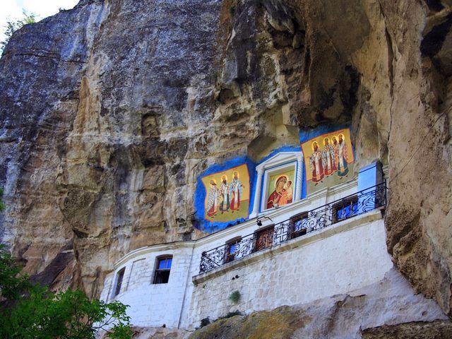 Пещерный Храм Успения Пресвятой Богородицы близ Бахчисарая