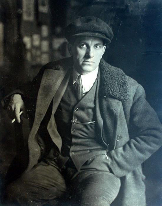 Владимир Маяковский, фото П.А. Оцуп