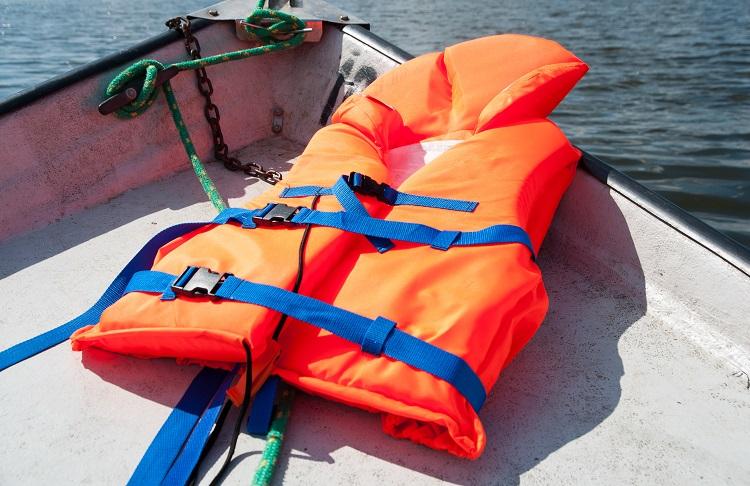 Спасательные жилеты для рыбалки — зачем нужны, где можно купить в Санкт-Петербурге