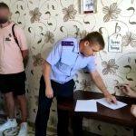 В Севастополе задержали двоих полицейских, отбиравших жильё у пенсионеров