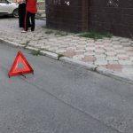 Водитель авто сбил на тротуаре женщину с двумя детьми в Евпатории