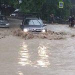 В Ялте поток дождевой воды повредил газопровод
