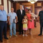 Маленькая героиня. 7-летняя девочка спасла тонущего в бассейне ребёнка