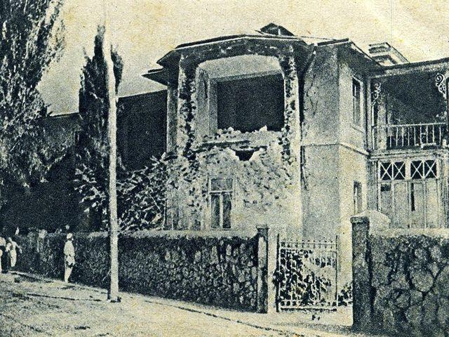 Разрушенный дом на Боткинской улице в Ялте